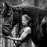 Der Friese ist eine niederländische Pferderasse, Tina und Zausel beim Fotoshooting