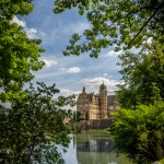 Seitenansicht auf Schloss Hämelschenburg, die Perle der Weserrenaissance