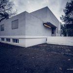 Das 2014 rekonstruierte Haus Gropius in Dessau | © Michael Eichhorn