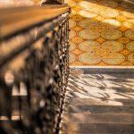 Ein Spiel von Licht und Schatten im Treppenhaus der Cumberlandschen Galerie Hannover